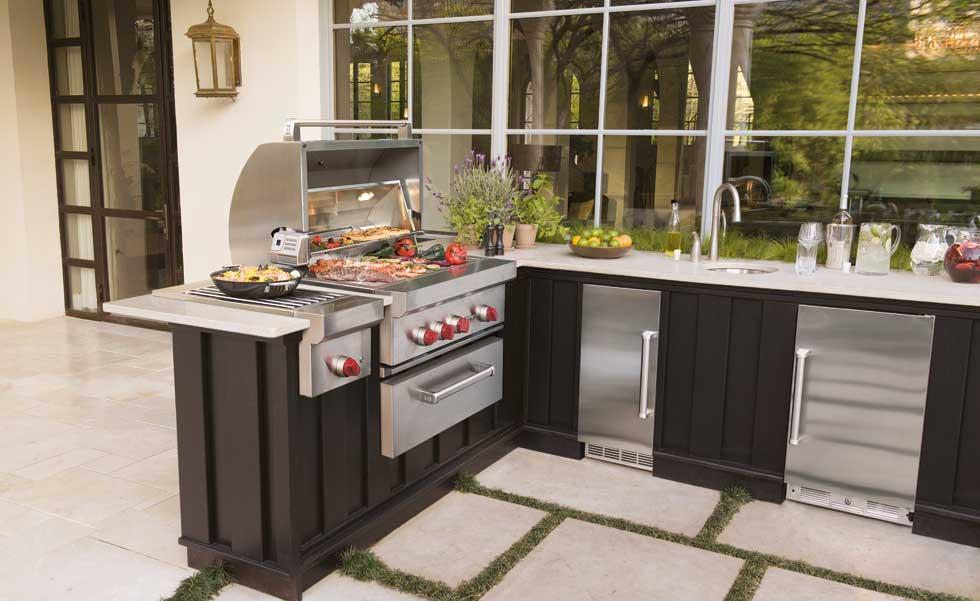 Philadelphia interior designer outdoor kitchen inspiration