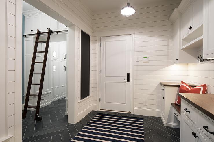 Philadelphia interior designer Glenna Stone mudroom inspiration via Studio M